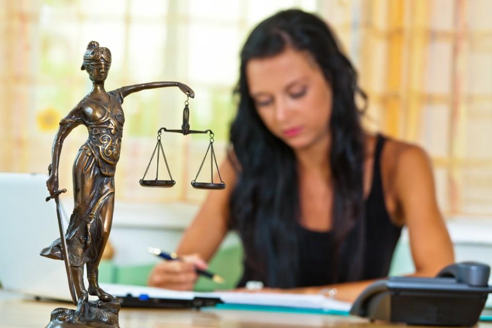 Adó, illeték és jogi tanácsadás
